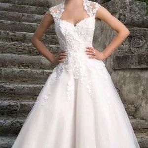 Justin Alexander 1950s inspired wedding gown